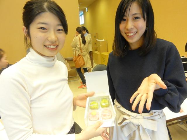 http://www.koshiyamakanseido.jp/wagashi_photo/DSC02612.JPG