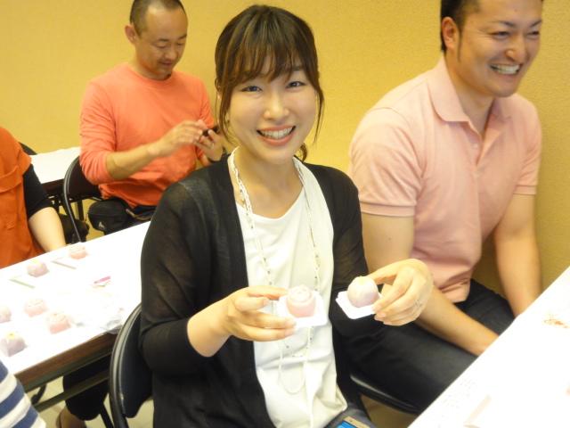 http://www.koshiyamakanseido.jp/wagashi_photo/DSC02780.JPG
