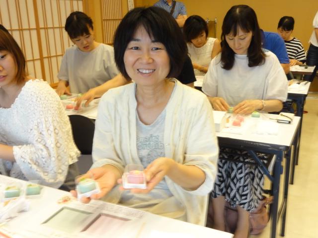 http://www.koshiyamakanseido.jp/wagashi_photo/DSC02954.JPG