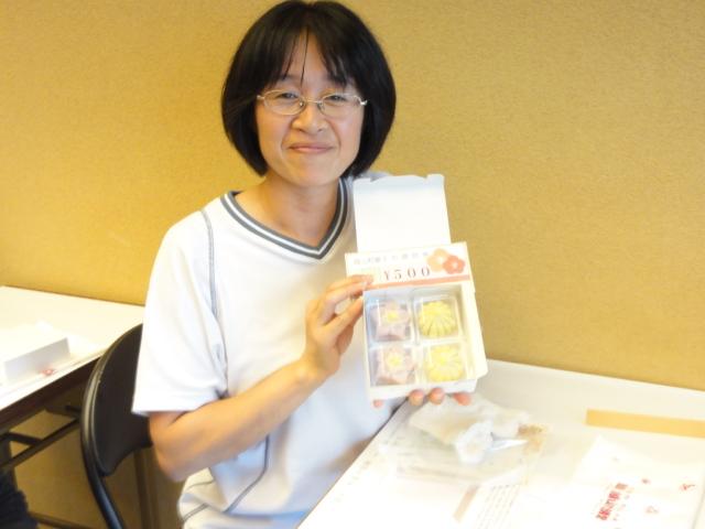 http://www.koshiyamakanseido.jp/wagashi_photo/DSC02962.JPG