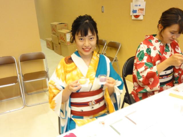 http://www.koshiyamakanseido.jp/wagashi_photo/DSC02987.JPG