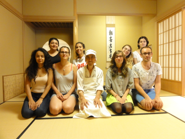 http://www.koshiyamakanseido.jp/wagashi_photo/DSC03019.JPG