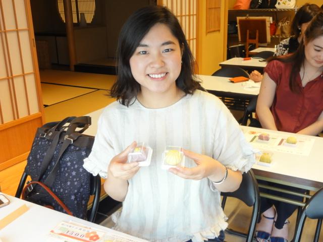 http://www.koshiyamakanseido.jp/wagashi_photo/DSC03037.JPG